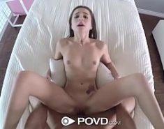 Sexo com entregador comendo a novinha linda